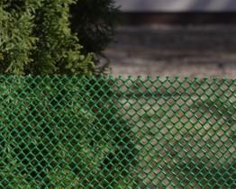 Siatka-plastikowa-tymczasowe-ogrodzenie-oczko-rombowe-zielona